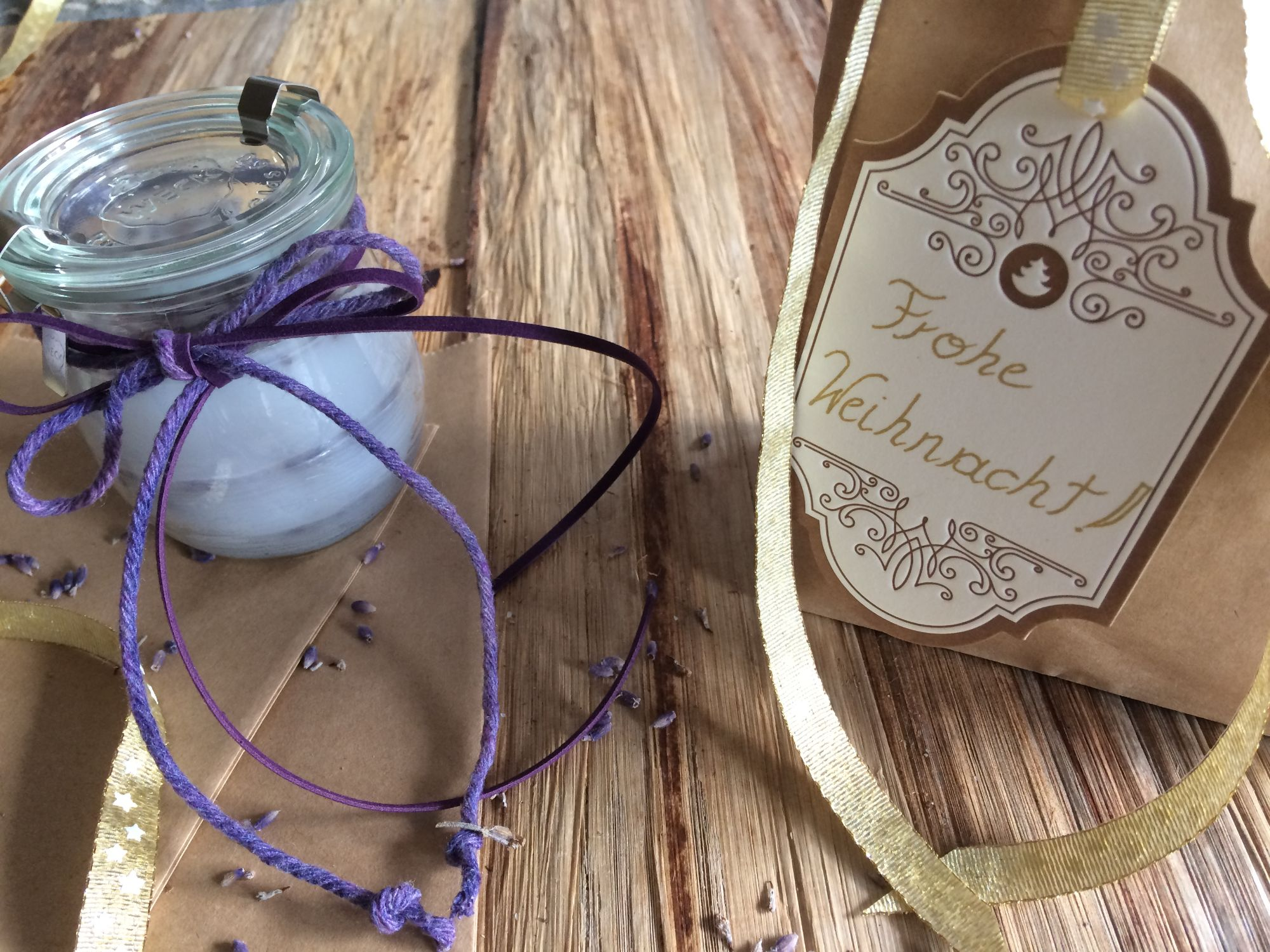 DIY: Duftkerze mit Lavendel
